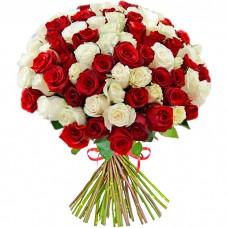 Букет из 101 белой и красной розы